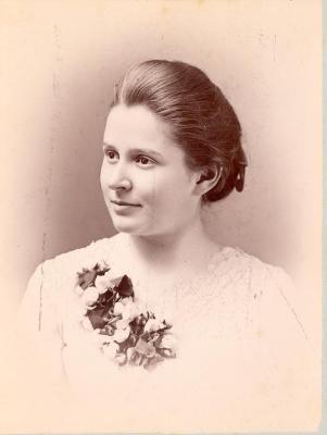 Eva Warner