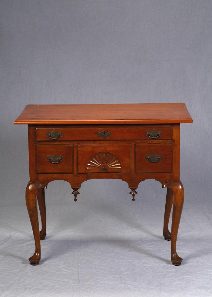 Table, Dressing