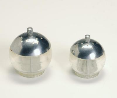 Set, Salt and Pepper Shakers;Set, Salt and Pepper Shakers
